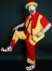 Medical Clowns for Allergies - He Seems Like a Happy-Go-Lucky Chap!